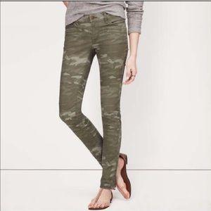 LOFT Skinny Camouflage Ankle Pants, size 4P